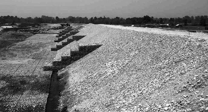 बबई नदी तटबन्धको काम तीव्र, जोखिमी क्षेत्रलाई पूर्णरूपमा सुरक्षित गरिँदै