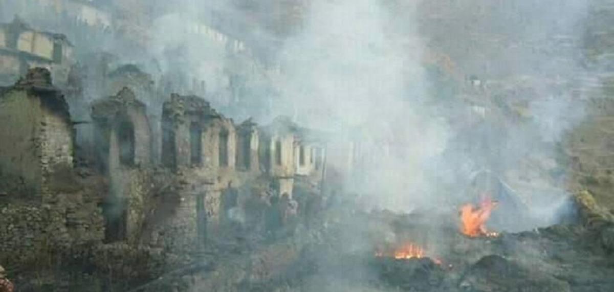 न्यौपाने बस्तीका ५२ घर जलेर नष्ट, जस्तापाता लिएर मुख्यमन्त्री घटनास्थलमा
