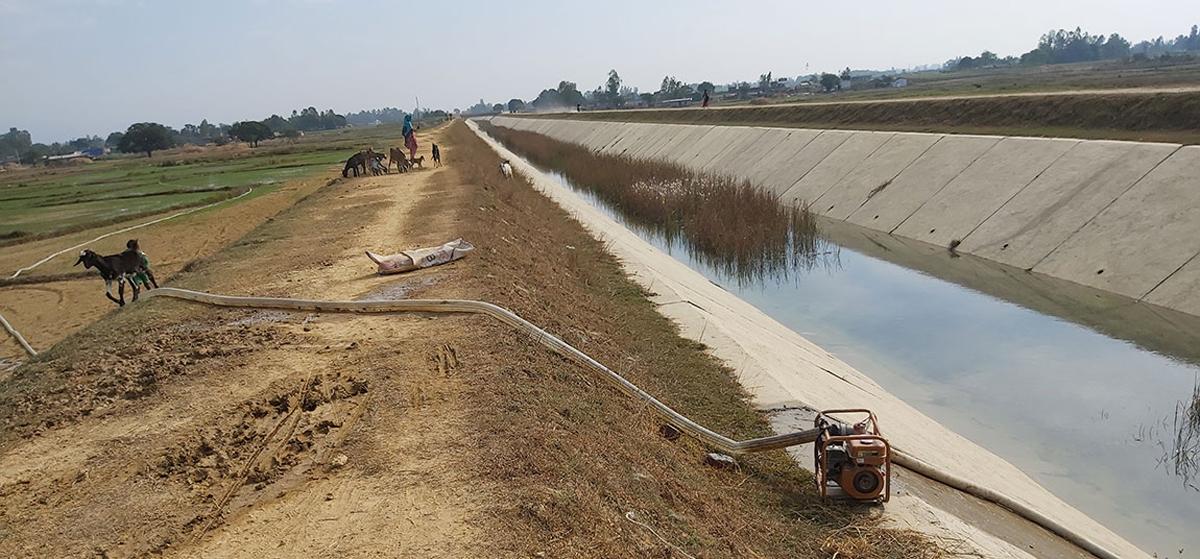 'किसानका खेतमा राप्तीको पानी'