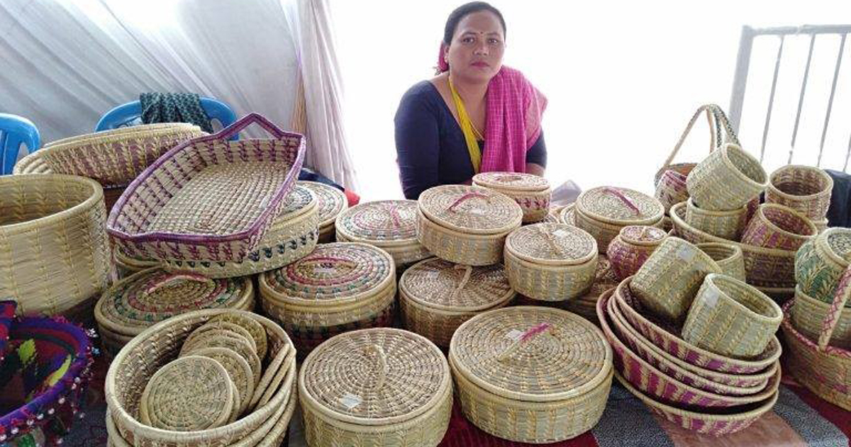 करोडौंको व्यवसाय हाँक्दै महिला