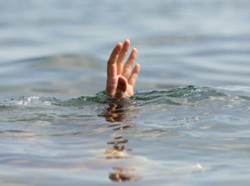 नदीमा बगेका दुई बालिकाको अवस्था अझै अज्ञात