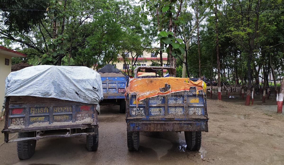 नदीजन्य पदार्थको अवैध उत्खनन रोक्न सुरक्षाकर्मी परिचालन