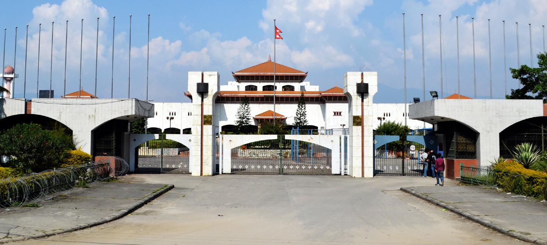 संसद अधिवेशन अन्त्य, प्रधानमन्त्रीविरुद्धको संकट तत्काललाई टर्यो