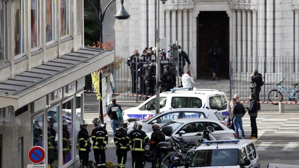फ्रान्सको निस शहरस्थित चर्चमा चक्कु आक्रमण, तीन जनाको मृत्यु