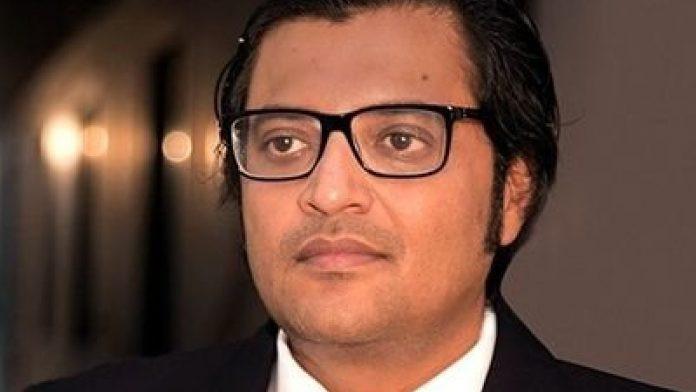 पक्राउ परे अर्नब गोस्वामी, आत्महत्याका लागि बाध्य पारेको आरोप