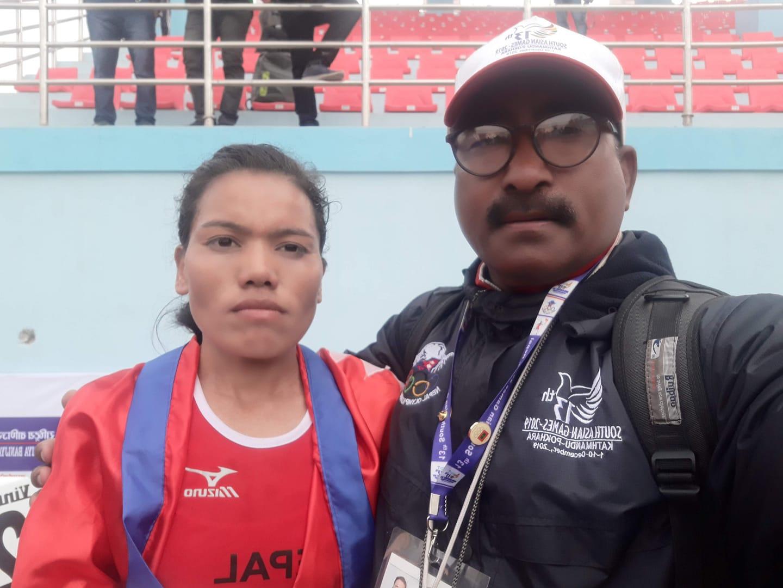 नेपाली धावक पुष्पालाई बंगलादेशमा म्याराथन उपाधि