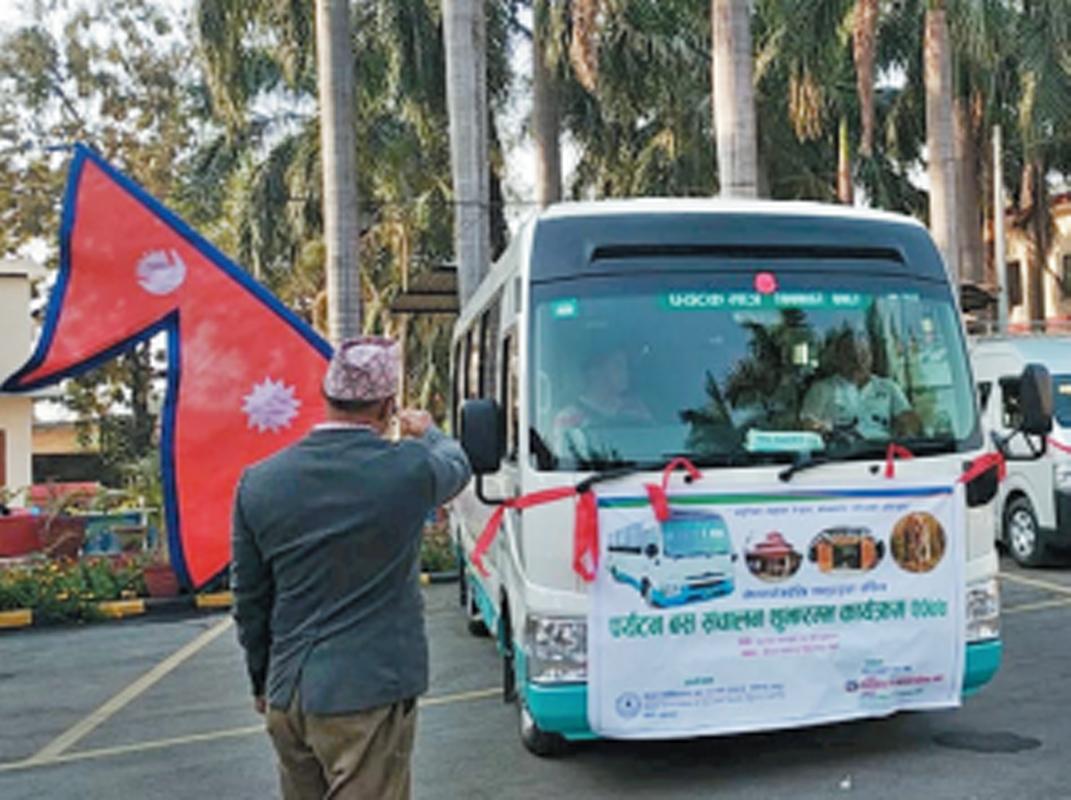 नेपालगन्ज–ठाकुरद्वारा 'पर्यटक बस' सञ्चालनमा
