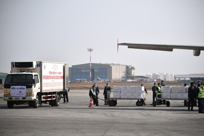 सरकारले भारतसँग किनेको कोरोनाविरुद्धको १० लाख डोज खोप नेपाल आइपुग्यो