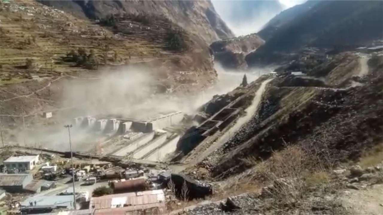उत्तराखण्डमा हिमनदी फुटेर बाढीः सातजनाको शव फेला, १२५ जना अझै बेपत्ता