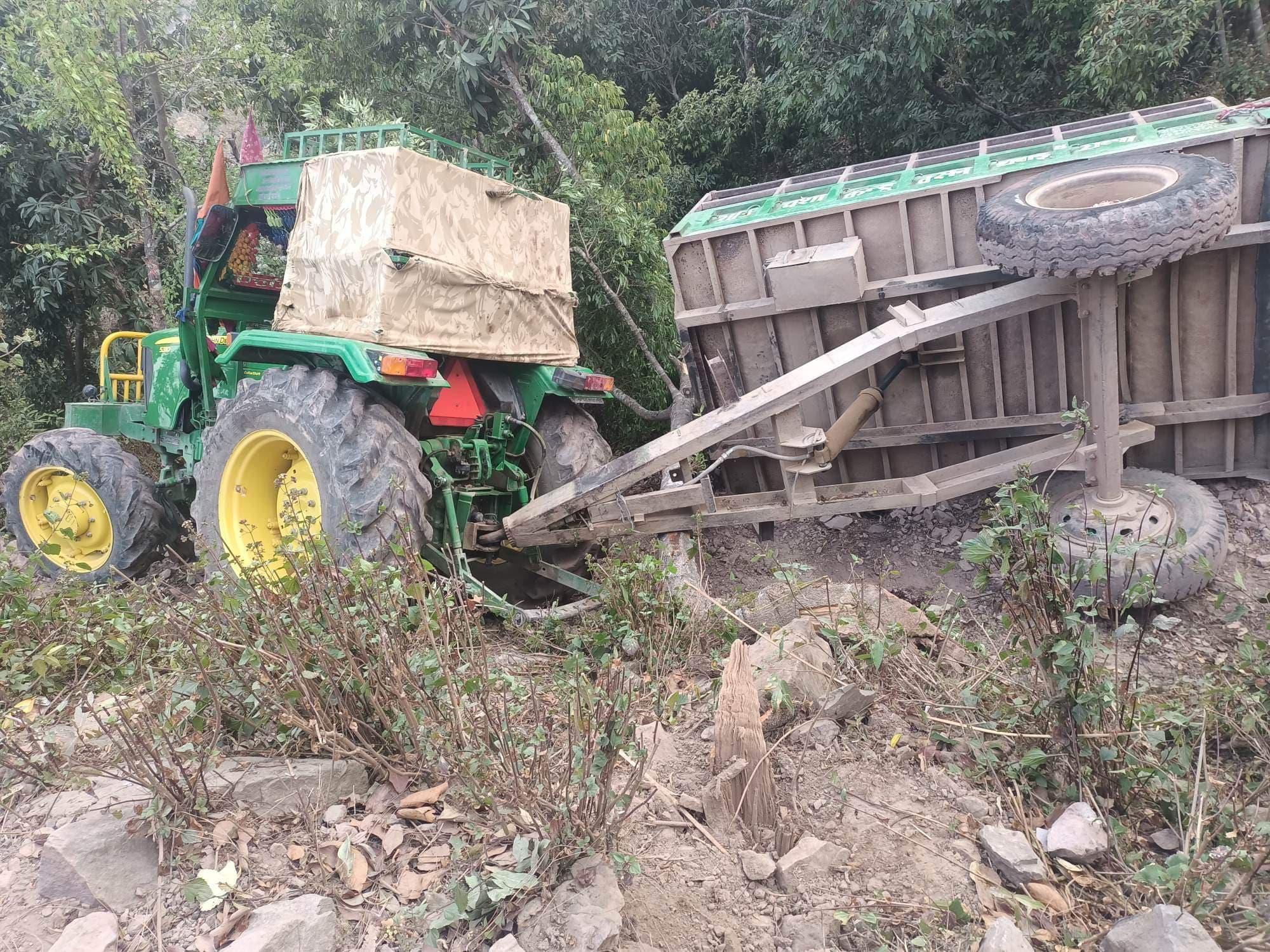 रोल्पामा ट्रयाक्टर दुर्घटना हुँदा एकजनाको मृत्यु