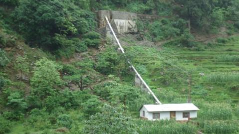 लघु जलविद्युत आयोजनाले केदारस्युँका आधा दर्जन गाउँमा उज्यालो
