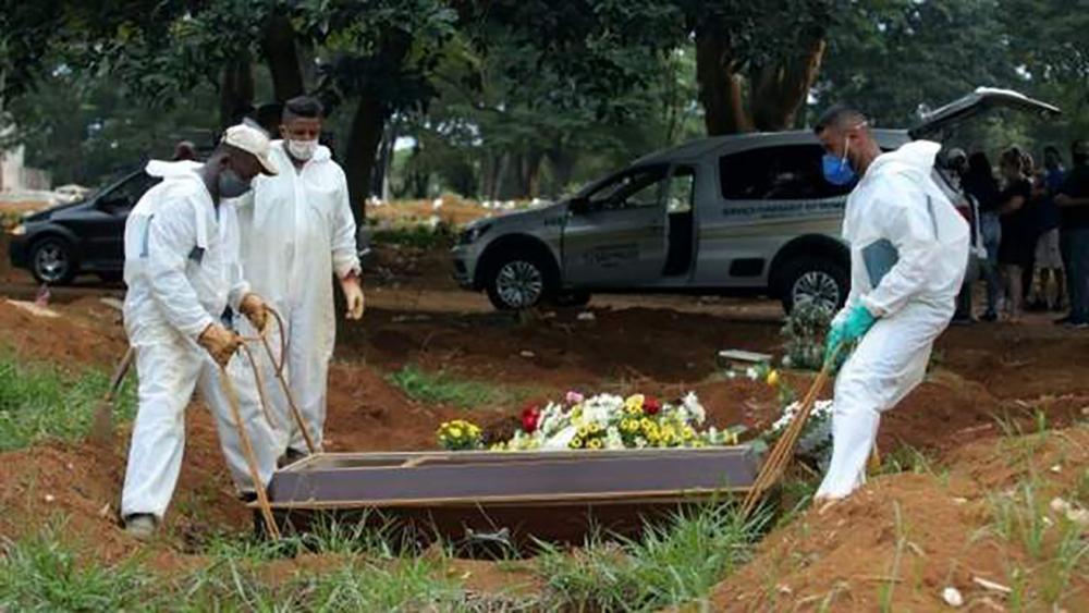 ब्राजिलमा कोरोना भाइरसको संक्रमण भयावह, एकै दिन दुई हजार बढीको मृत्यु