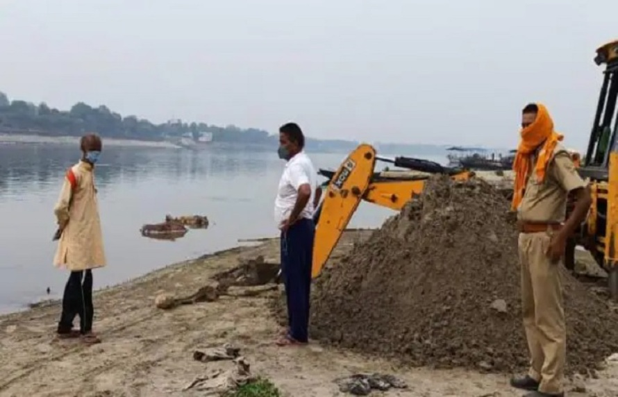 गंगा नदीको किनारमा भेटिए थप ७१ बेवारिसे शव
