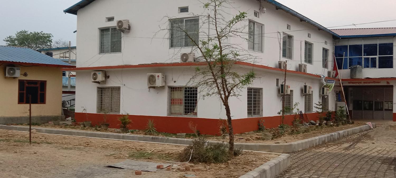 कोहलपुर नगरपालिकामा काण्डैकाण्ड, '१७ कोठामा, ३० वटा एसी'