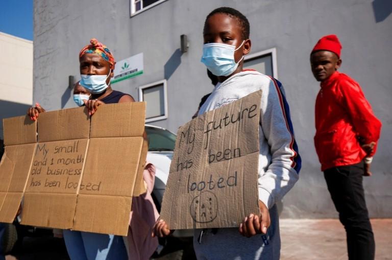 दक्षिण अफ्रिकामा जारी हिंसामा परेर मृत्यु हुनेको संख्या २७६ पुग्यो