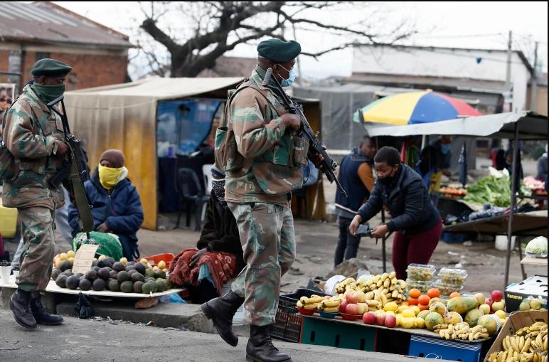 दक्षिण अफ्रिकामा लुटपाट र हिंसामा १ सय १७ को मृत्यु