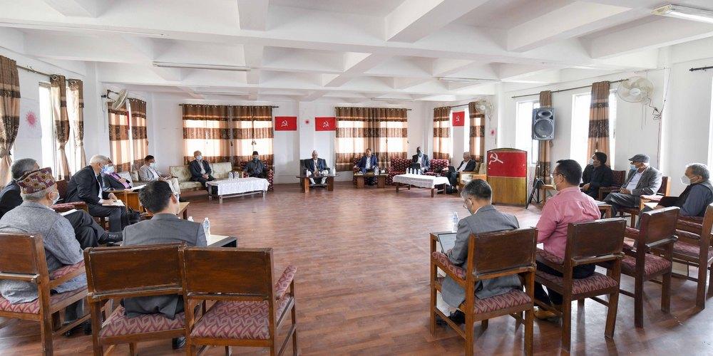एमालेको केन्द्रीय कमिटी बैठक : तीन प्रतिवेदन मस्यौदामाथि छलफल गर्न १० समूह निर्माण