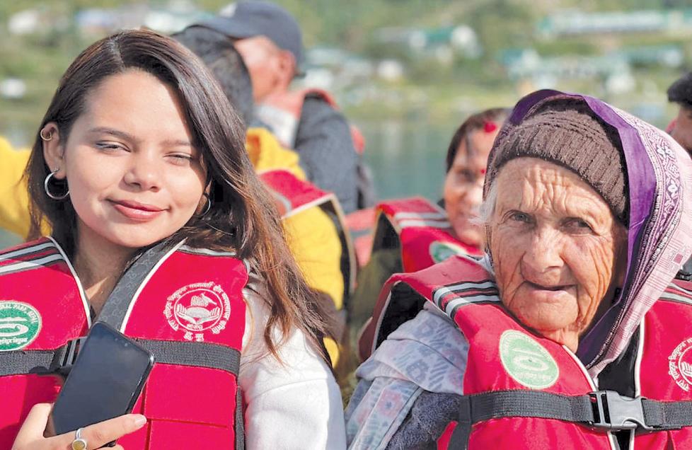 रारा तालमा पुगेर ८५ वर्षीया वृद्धाले भनिन्, 'जीवनको उत्तर्रार्द्धमा स्वर्गमा पुगे'